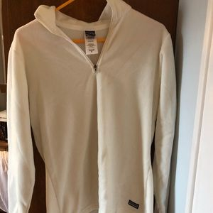 Patagonia pull over (lightly used)